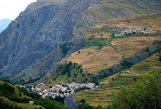 Villar-d'Arene, Frankrijk: Vue sur La Grave Les Terrasses, non loin de l'hôtel