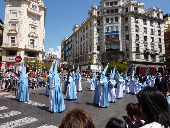 Pensión El Hidalgo: Страстная неделя в Гранаде