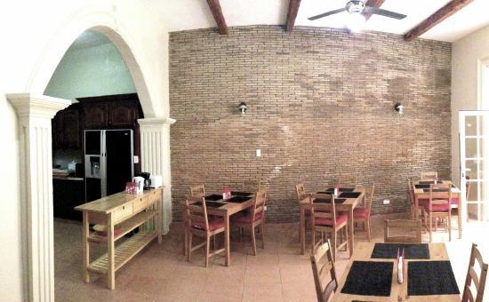 Santo Domingo Bed and Breakfast: Comedor
