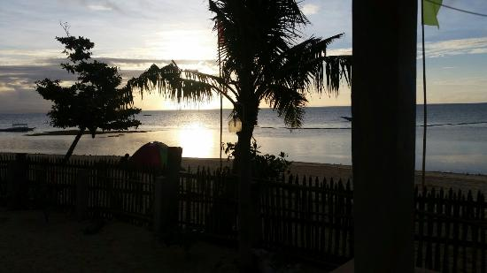 Dano Beach Resort: 20151125_060933_large.jpg