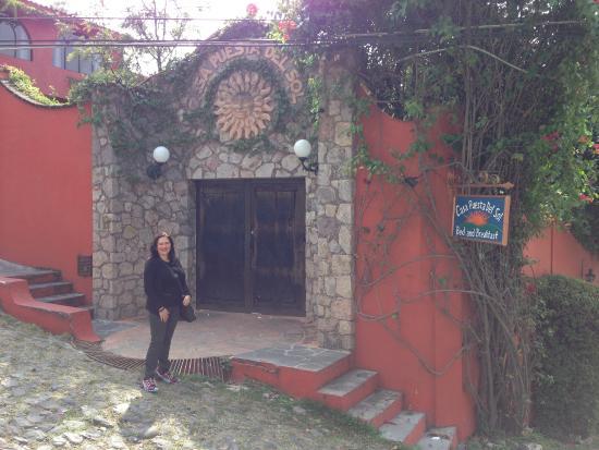 Casa Puesta Del Sol: Entrada al hotel