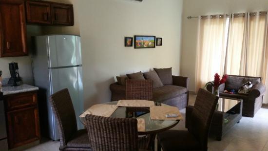 Corinto Pearl Eco Resort: Living Room