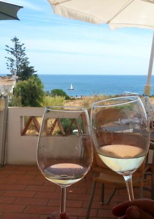 Praia Grande Restaurante & Bar: Brdis en buena compañia y bonito lugar
