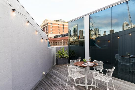 Ovolo 1888 Darling Harbour : Stirred Suite Terrace