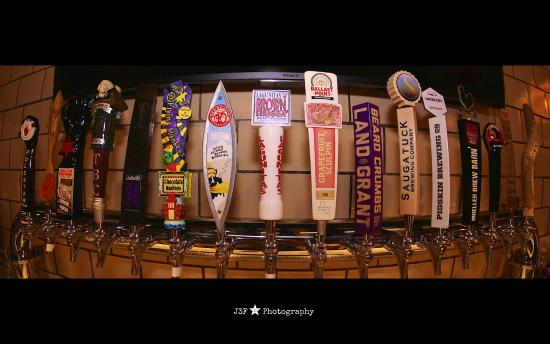 Bellefontaine, OH: 16 craft beers on tap, always rotating!