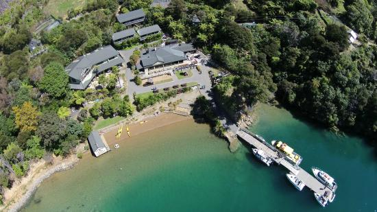 ‪Lochmara Lodge Marlborough Sounds Wildlife Recovery Centre‬