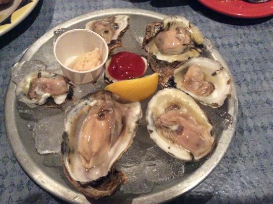 Elk Rapids, MI: Blue Point Oysters