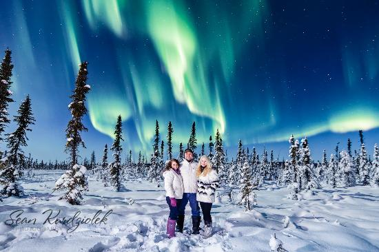 North Pole, AK: Have me commission a family shoot under the Aurora