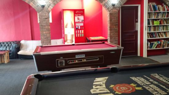 Hotel St George: Pool table
