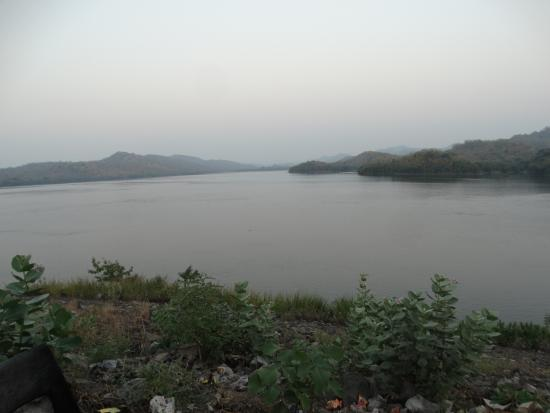 Back water - Picture of Sardar Sarovar Dam, Songadh ...