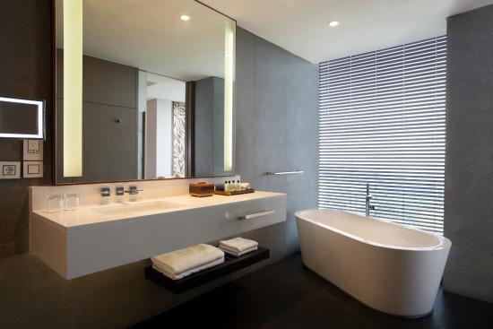 InterContinental Bandung Dago Pakar Bathtub