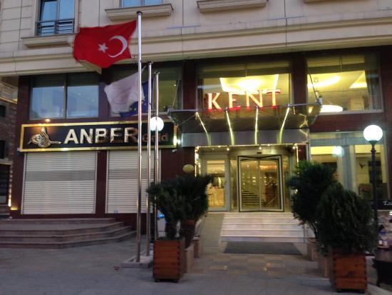 Kent Hotel Istanbul: Вход в отель