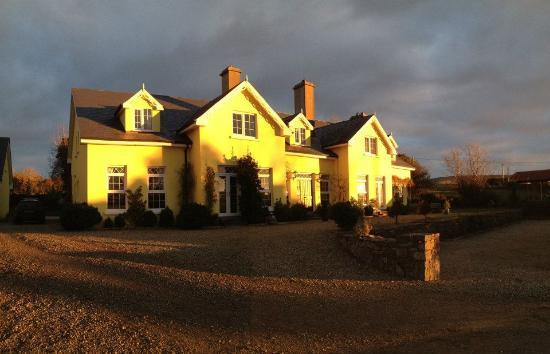 Drumcreehy Country House: Das Hotel - herrliche Herbstsonne