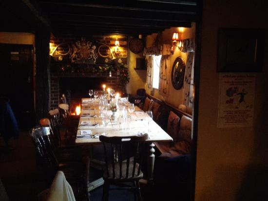 The Hatch Inn: Warm and cosy