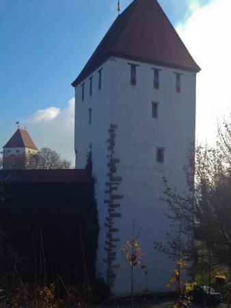 Neuburg am Inn, Allemagne : Der Bergfried