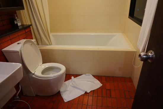 The Grand Napat: ห้องน้ำห้องที่1