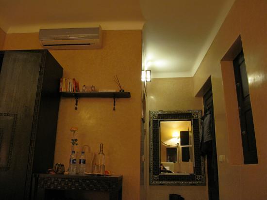 Riad Anjar: Room