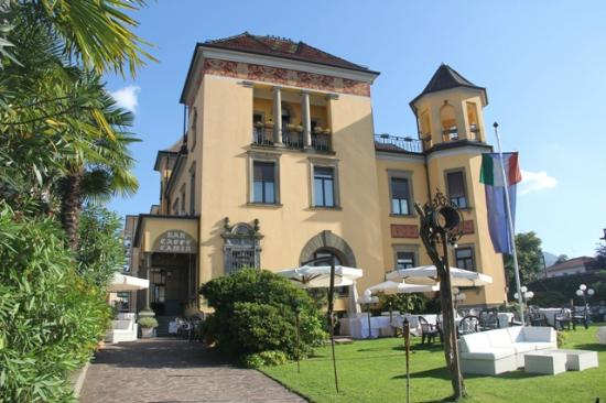 카민 호텔 루이노