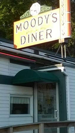 Waldoboro, ME: Moody's Diner