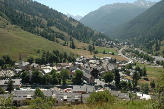 Chalet de Lanza : Le village