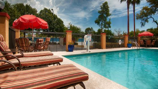 Mayport Inn & Suites: Pool