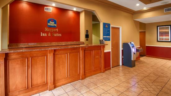 BEST WESTERN Mayport Inn & Suites: Front Desk