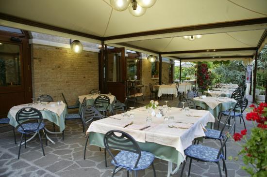 La sala dotto di camapgna foto di ristorante dotto di for Ristorante della cabina di campagna