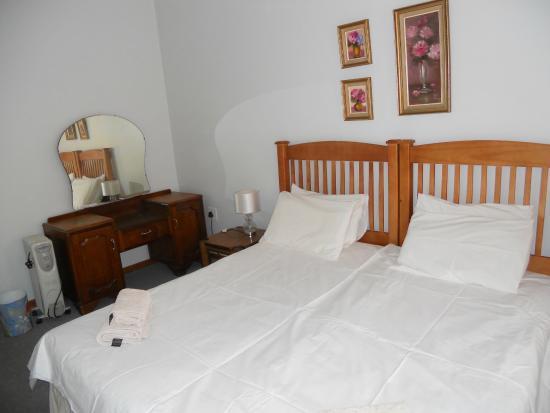 Benoni, جنوب أفريقيا: cottage main bedroom