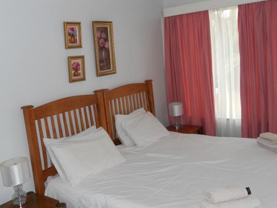 Benoni, جنوب أفريقيا: main bedroom cottage