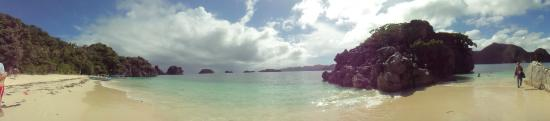 Gota Village Resort: beach