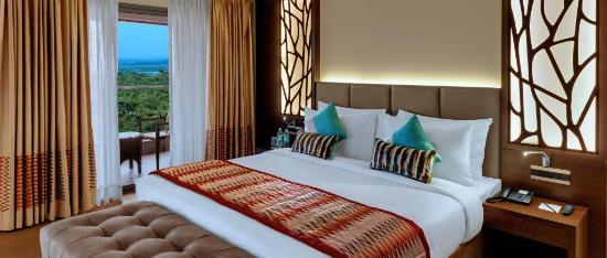 The Fern Kadamba Hotel and Spa: Guest Room