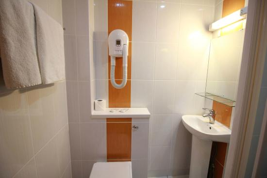 bathroom and hairdryer in all rooms picture of best western london rh tripadvisor com