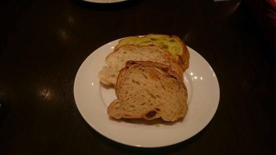 Cobara-Hetta Sapporo: 食べ放題のパン