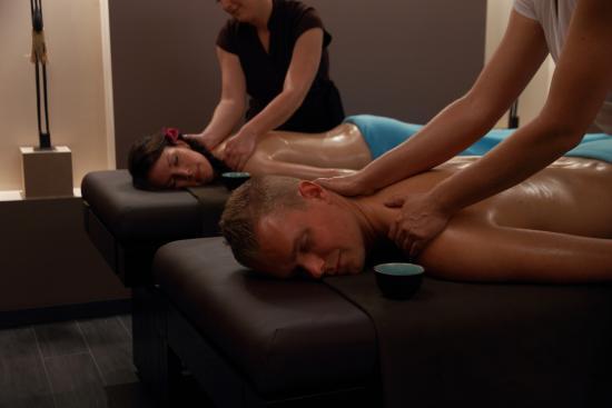 Pierrefitte sur Sauldre, Prancis: Massage