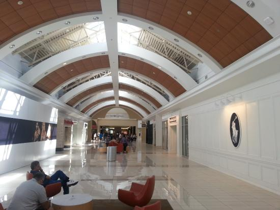 Big and modern public areas - Picture of Fashion Outlets of Niagara ...