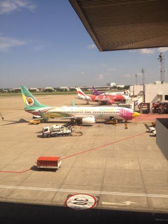 how to get bangkok from don muang airport