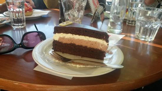 Cafe Konditorei Bernold: Schoko sahne torte