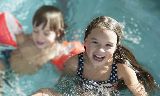 Drautal Perle Aquapark: Badespaß für Groß & Klein!