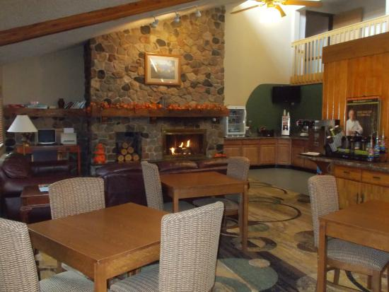 Boarders Inn and Suites Ripon, WI : Hotel Lobby