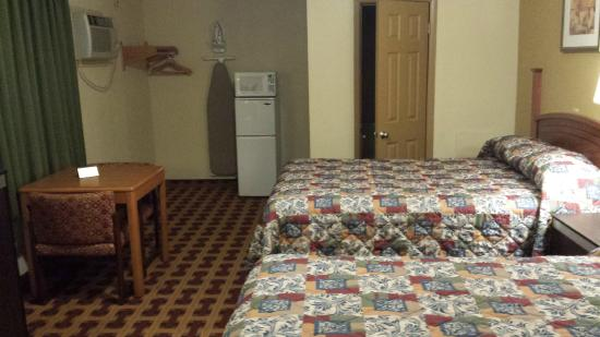 Lodge Inn: Room