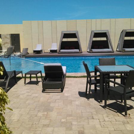 Eurobuilding Hotel & Suites Coro: La piscina