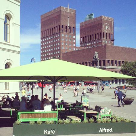 Cafe Alfred: Summer by the City Hall