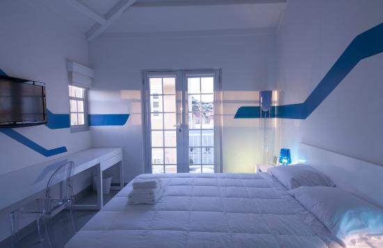 WAVE Hotel & Café Curaçao : Queen Room