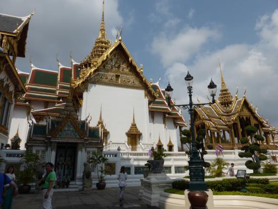 พระที่นั่งจักรีมหาปราสาท - Bild von The Chakri Group (Phra ...