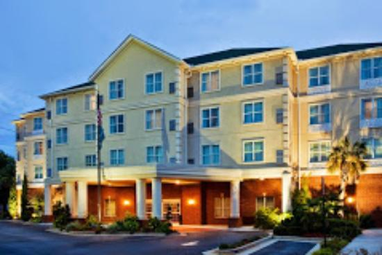Country Inn & Suites by Radisson, Athens, GA: Front of the hotel