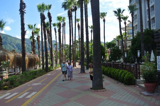 Mersoy Exclusive Aqua Resort: Променад