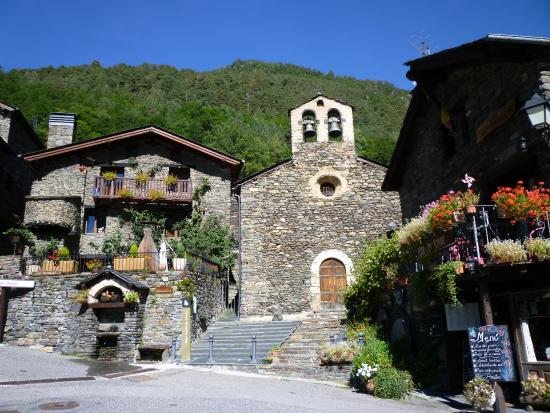 Llorts, Andorra: Church