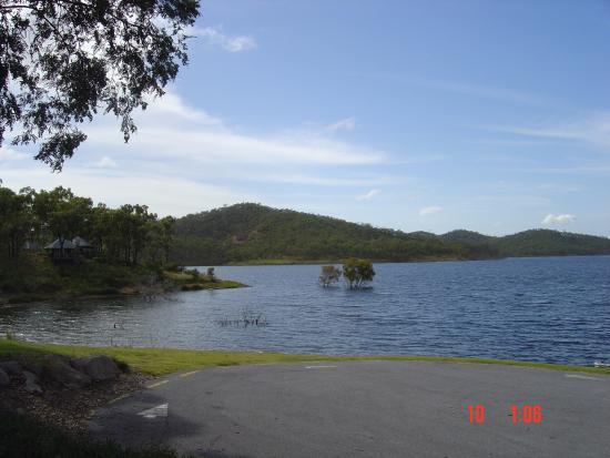 Benaraby, أستراليا: Lake Awonga