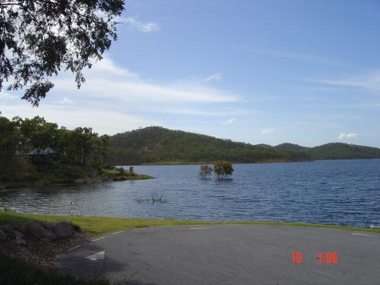 Benaraby, Australia: Lake Awonga