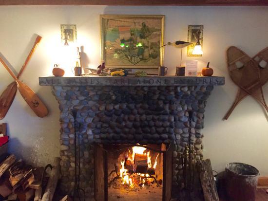 Lakeside, MI: Gorgeous fireplace